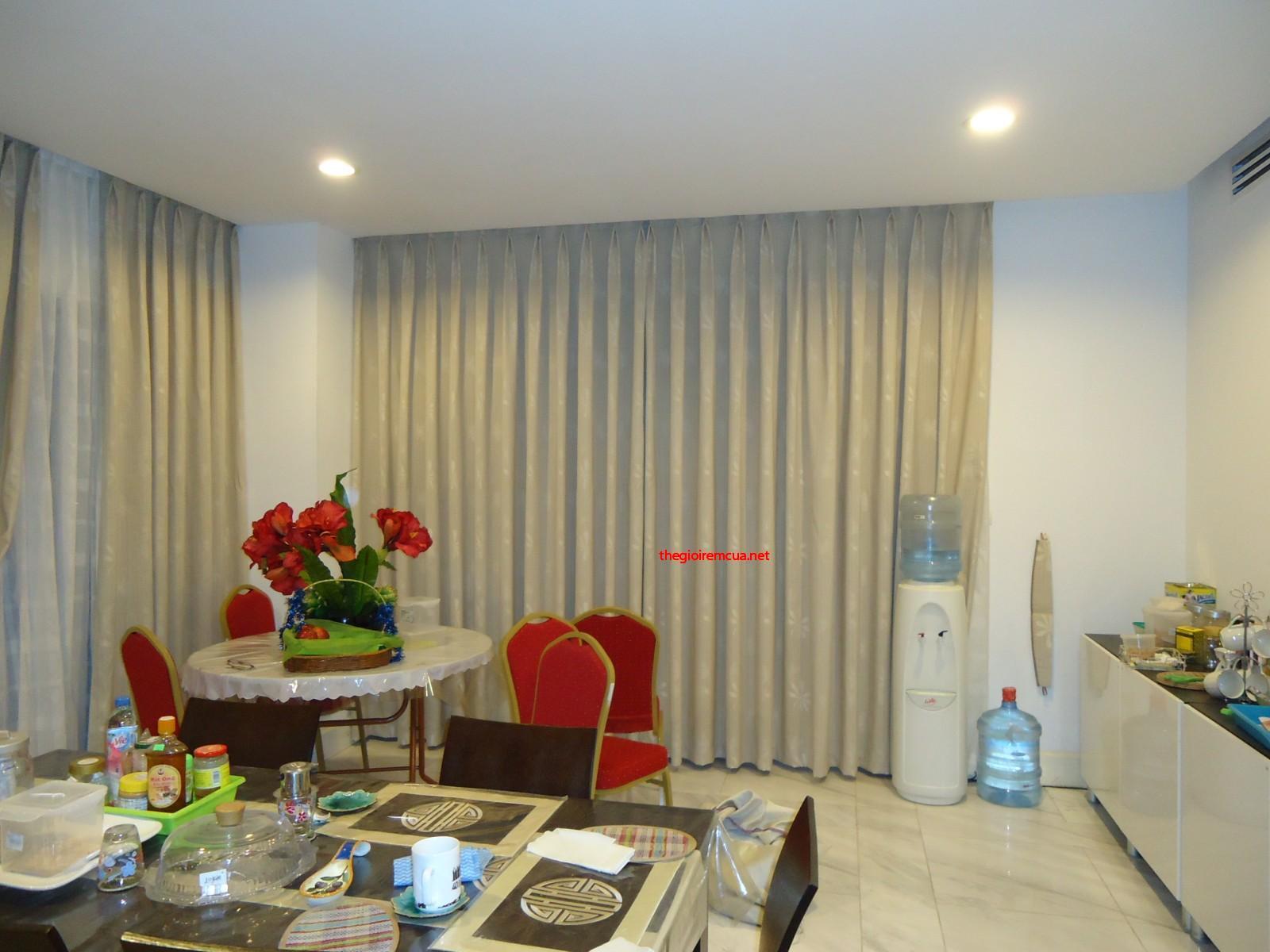 Hãy May rèm vải gấm chống nắng cản sáng cho phòng ngủ và phòng khách gia đình