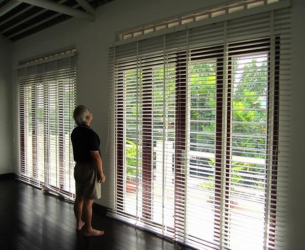 Rèm sáo gỗ tự nhiên và các tính năng của rèm sáo gỗ tự nhiên.