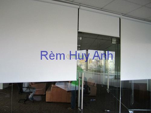 Rèm cuốn chống nắng văn phòng giá rẻ PN1001