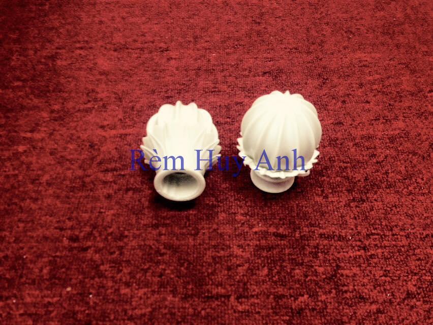 Đầu Bịt Thanh Rèm Vải (Quả Nhựa) L6K