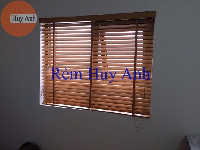 rem go cua so chung cu vinhomes green bay