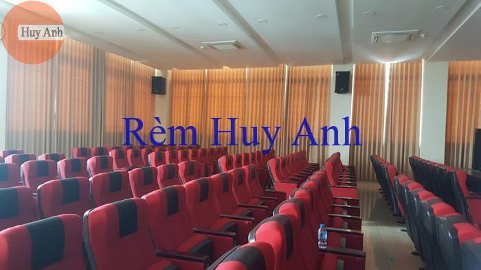 thi cong rem hoi truong